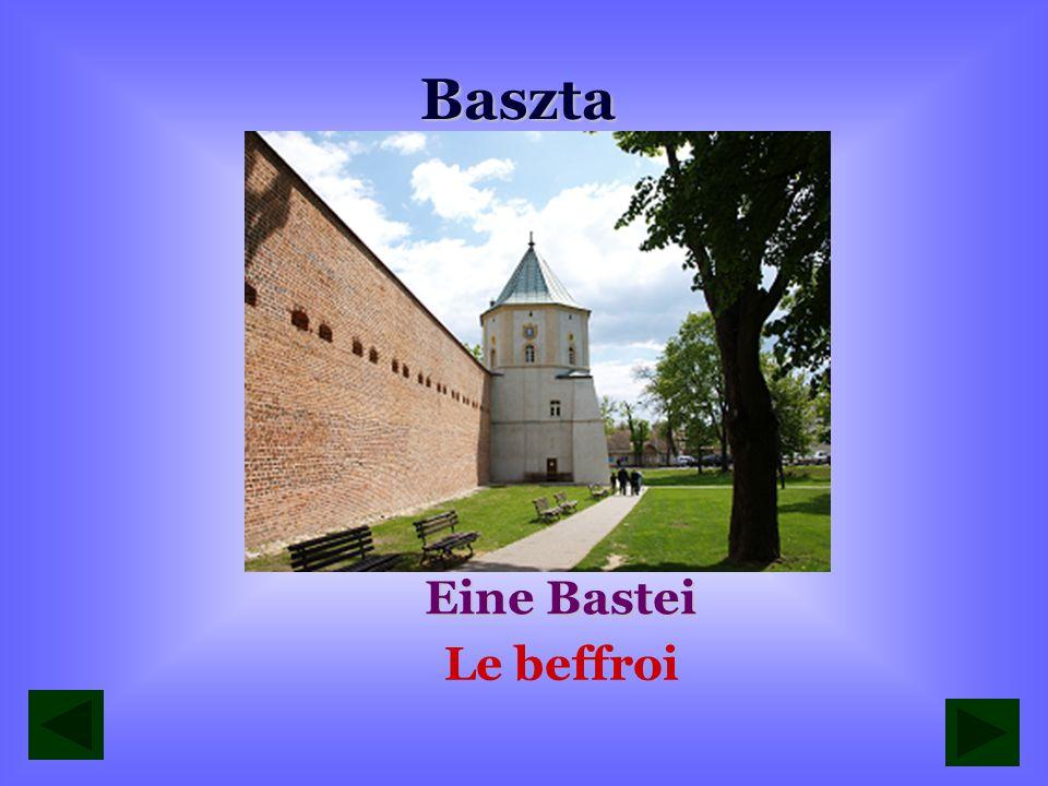 Baszta Eine Bastei Le beffroi