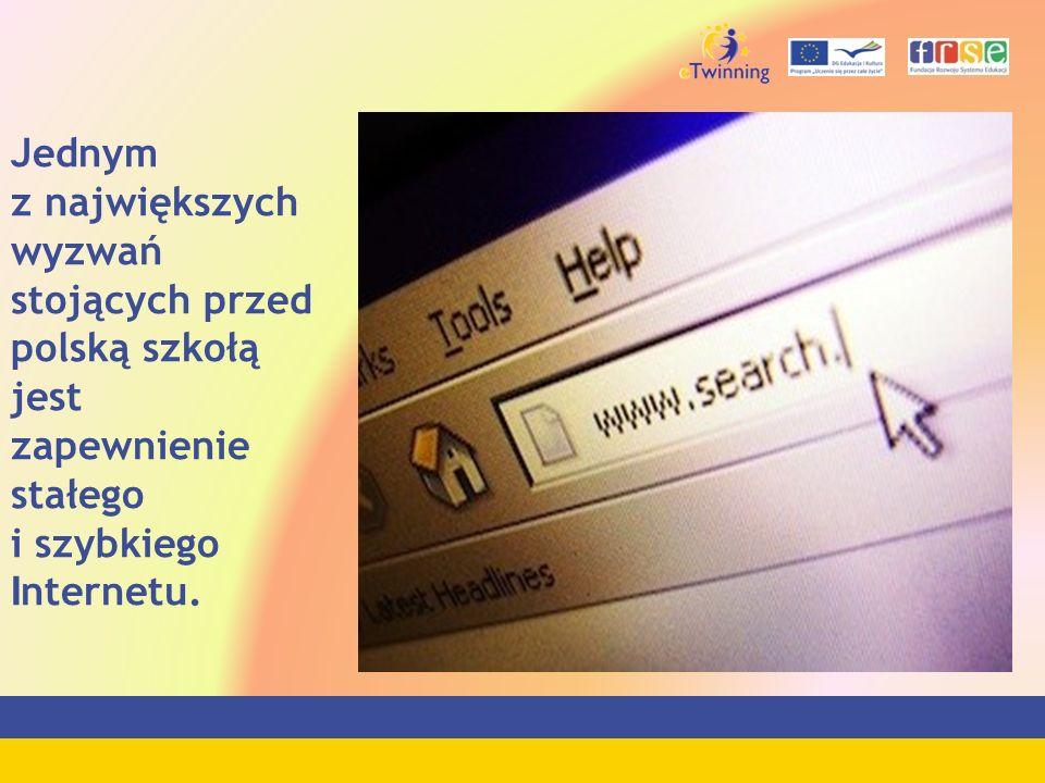 Jednym z największych wyzwań stojących przed polską szkołą jest zapewnienie stałego i szybkiego Internetu.
