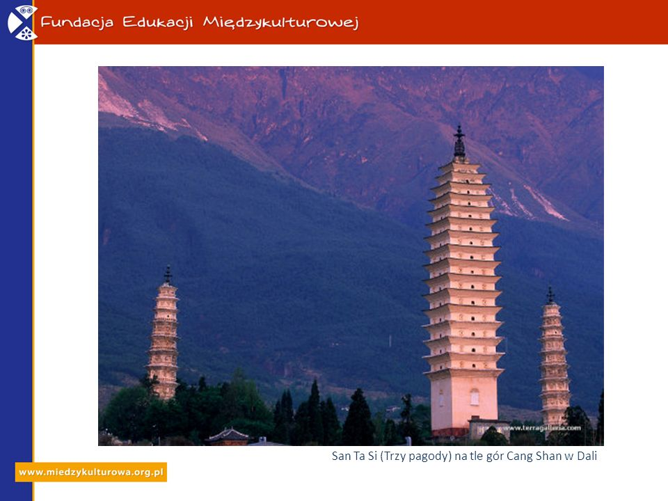 San Ta Si (Trzy pagody) na tle gór Cang Shan w Dali