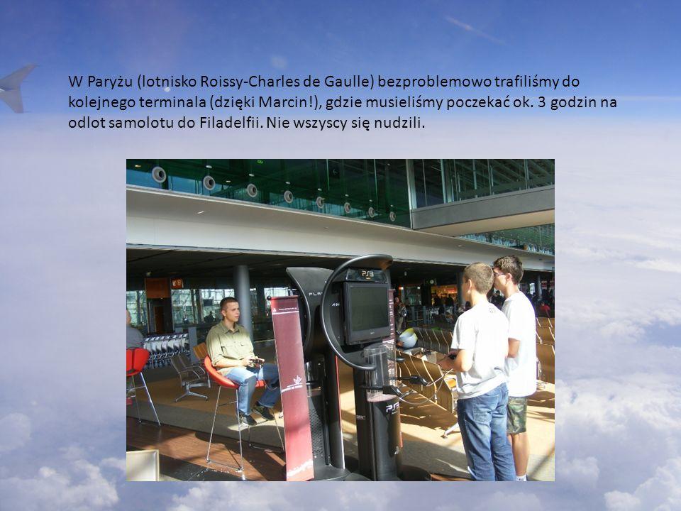 W Paryżu (lotnisko Roissy-Charles de Gaulle) bezproblemowo trafiliśmy do kolejnego terminala (dzięki Marcin!), gdzie musieliśmy poczekać ok.