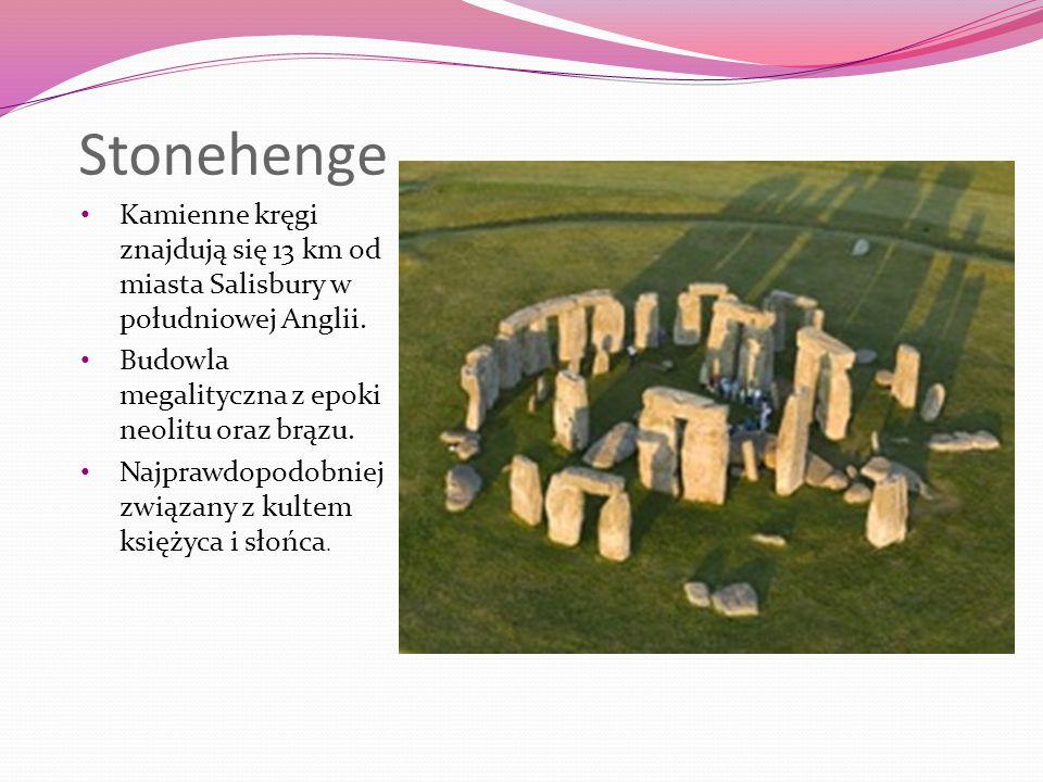 Stonehenge Kamienne kręgi znajdują się 13 km od miasta Salisbury w południowej Anglii. Budowla megalityczna z epoki neolitu oraz brązu.