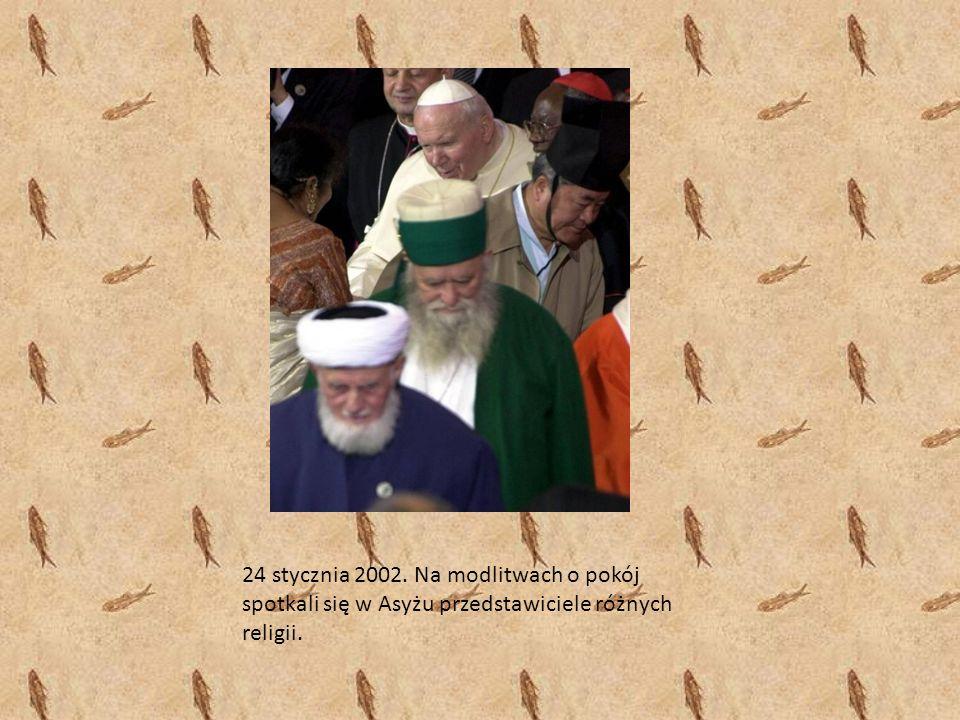 24 stycznia 2002. Na modlitwach o pokój spotkali się w Asyżu przedstawiciele różnych religii.