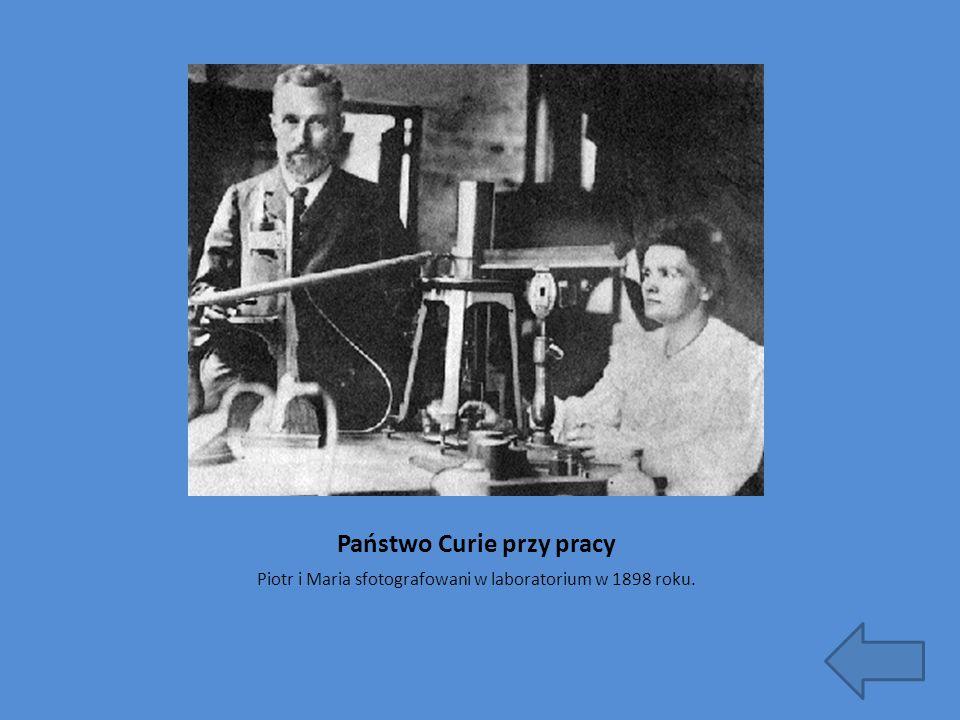 Państwo Curie przy pracy