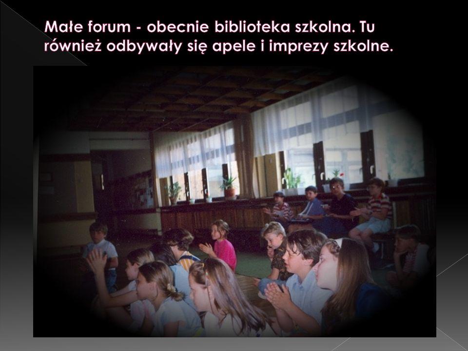 Małe forum - obecnie biblioteka szkolna