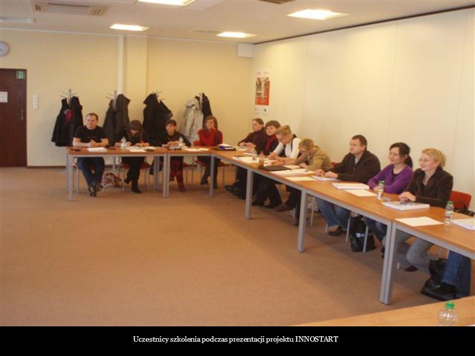 Uczestnicy szkolenia podczas prezentacji projektu INNOSTART