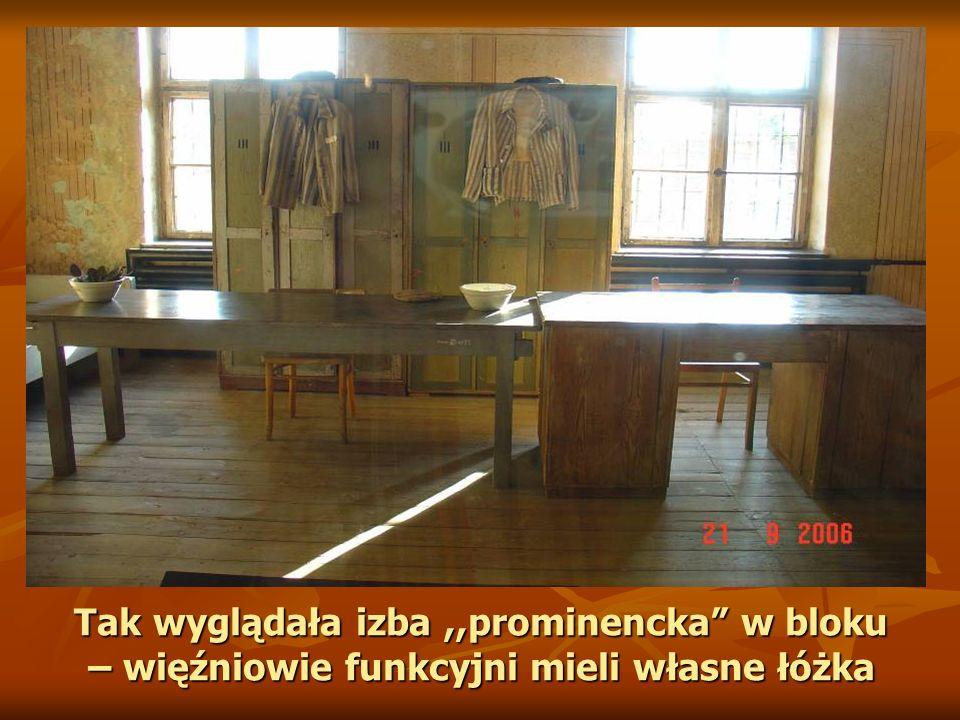 Tak wyglądała izba ,,prominencka w bloku – więźniowie funkcyjni mieli własne łóżka