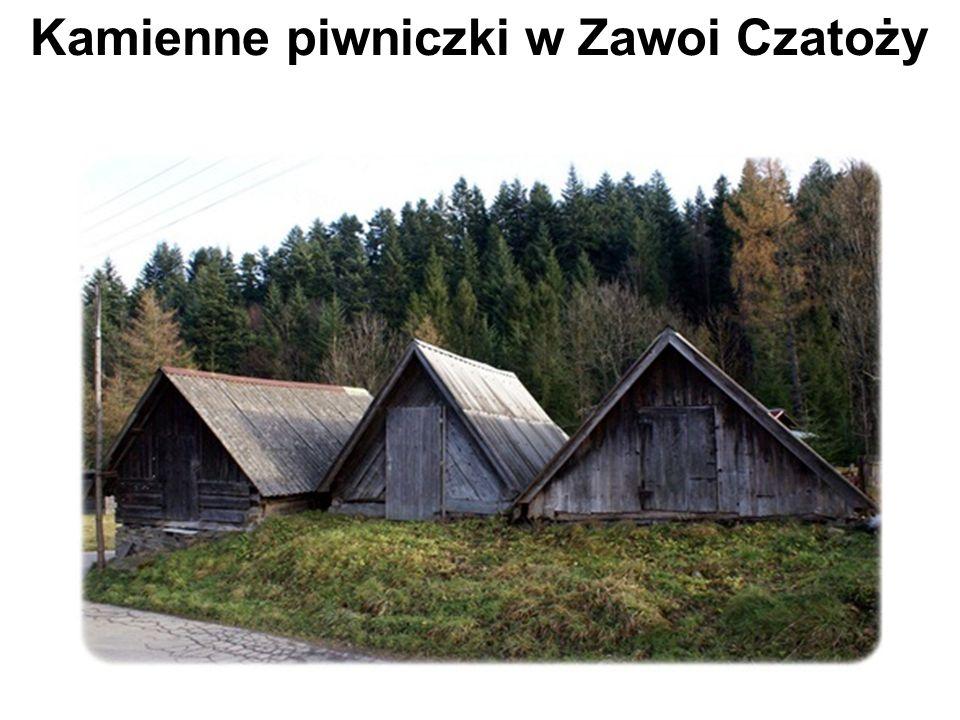 Kamienne piwniczki w Zawoi Czatoży