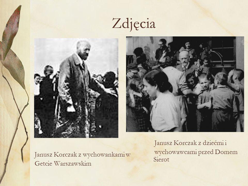 Zdjęcia Janusz Korczak z dziećmi i wychowawcami przed Domem Sierot
