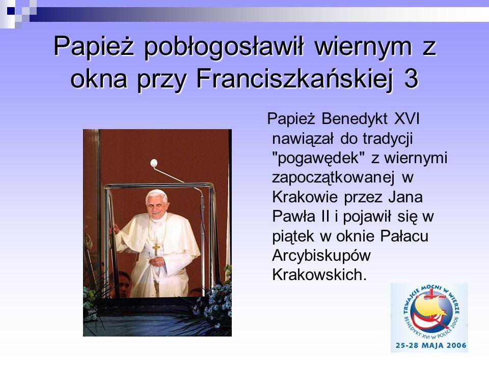 Papież pobłogosławił wiernym z okna przy Franciszkańskiej 3