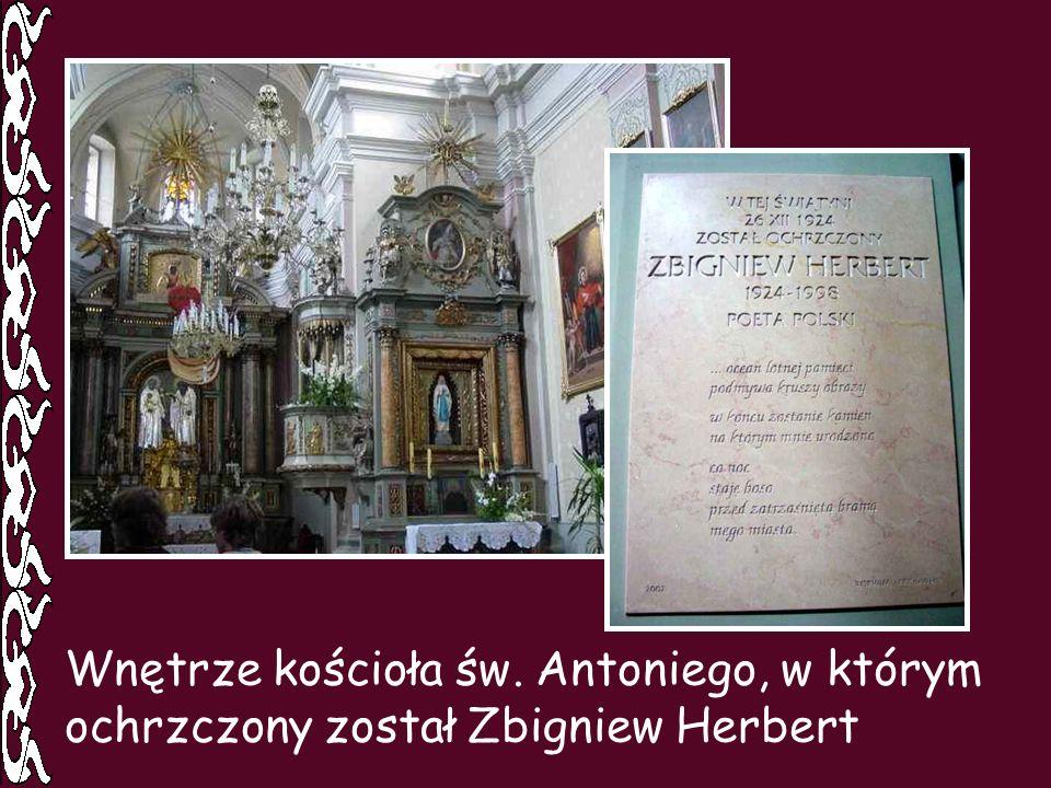 Wnętrze kościoła św. Antoniego, w którym ochrzczony został Zbigniew Herbert
