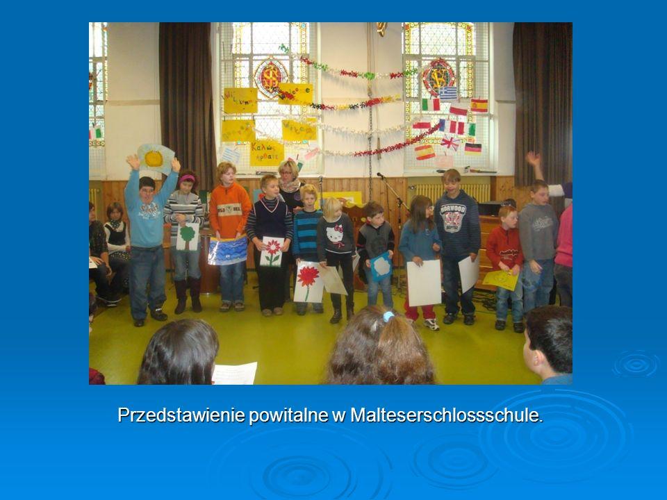 Przedstawienie powitalne w Malteserschlossschule.
