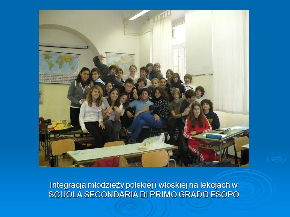 Integracja młodzieży polskiej i włoskiej na lekcjach w SCUOLA SECONDARIA DI PRIMO GRADO ESOPO