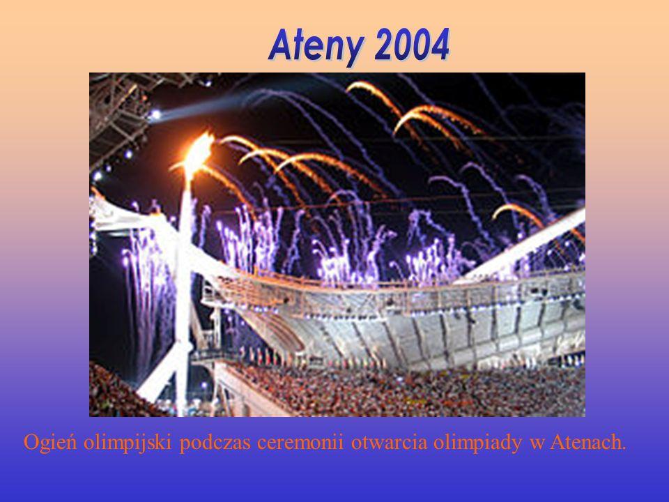 Ateny 2004 Ogień olimpijski podczas ceremonii otwarcia olimpiady w Atenach.