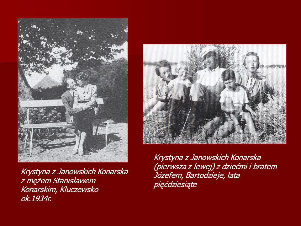 Krystyna z Janowskich Konarska (pierwsza z lewej) z dziećmi i bratem Józefem, Bartodzieje, lata pięćdziesiąte