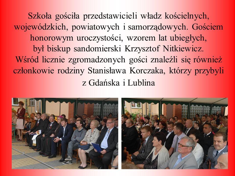 Szkoła gościła przedstawicieli władz kościelnych, wojewódzkich, powiatowych i samorządowych.