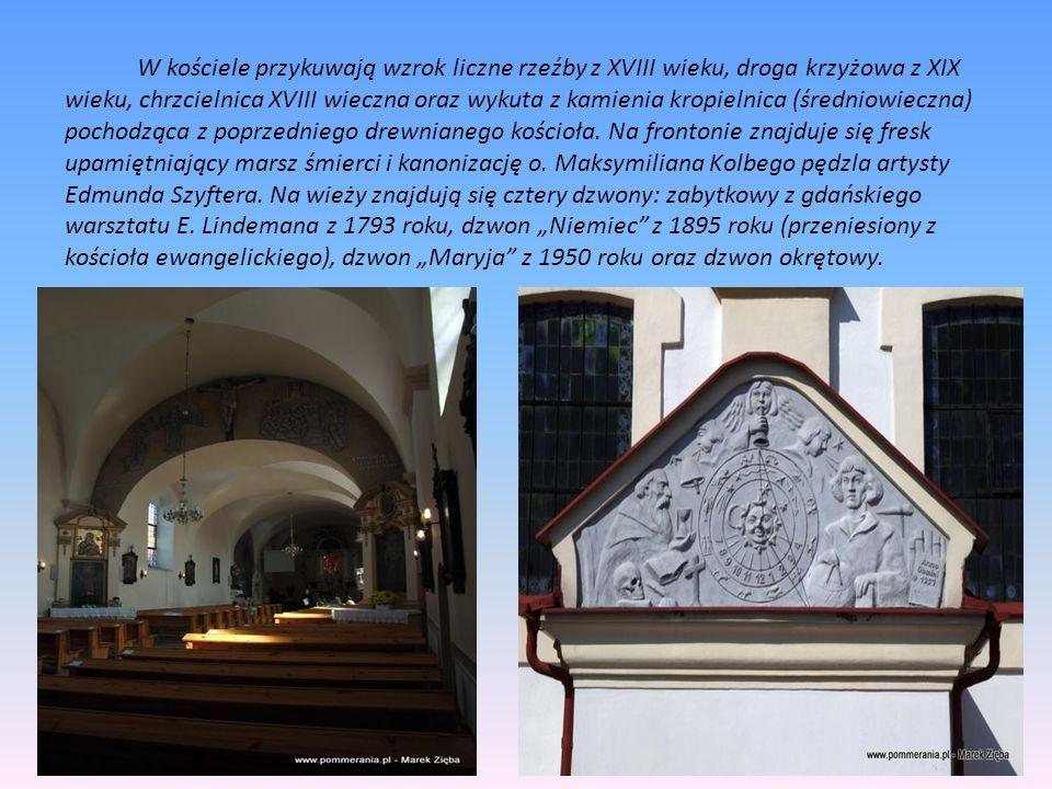 W kościele przykuwają wzrok liczne rzeźby z XVIII wieku, droga krzyżowa z XIX wieku, chrzcielnica XVIII wieczna oraz wykuta z kamienia kropielnica (średniowieczna) pochodząca z poprzedniego drewnianego kościoła.