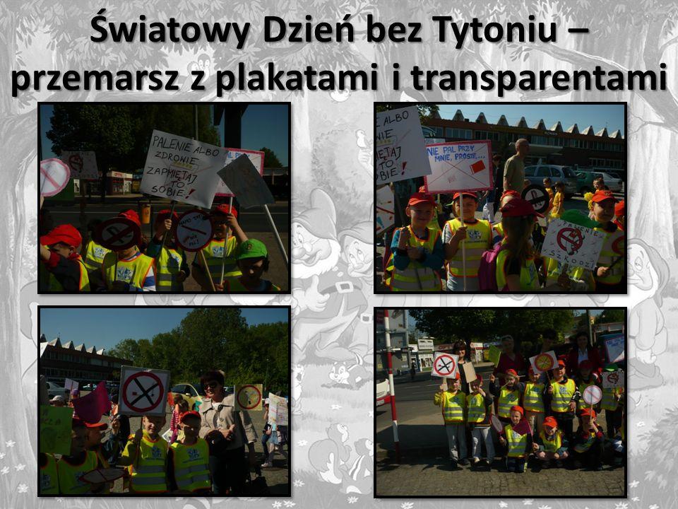 Światowy Dzień bez Tytoniu – przemarsz z plakatami i transparentami