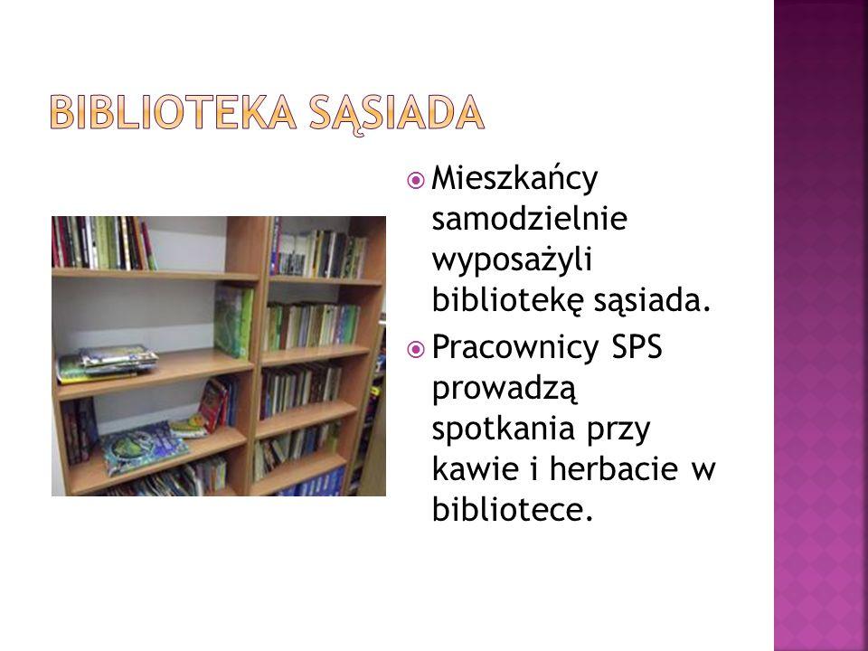 Biblioteka sąsiada Mieszkańcy samodzielnie wyposażyli bibliotekę sąsiada.