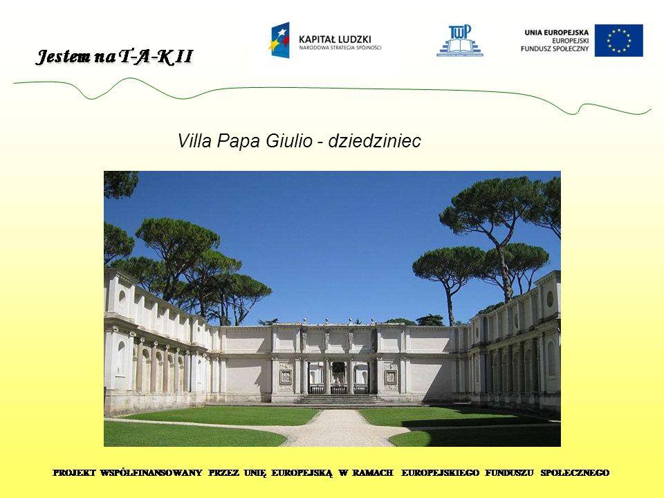 Villa Papa Giulio - dziedziniec