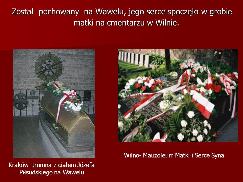 Kraków- trumna z ciałem Józefa Piłsudskiego na Wawelu