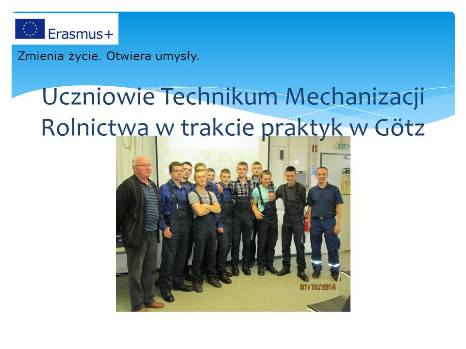 Uczniowie Technikum Mechanizacji Rolnictwa w trakcie praktyk w Götz