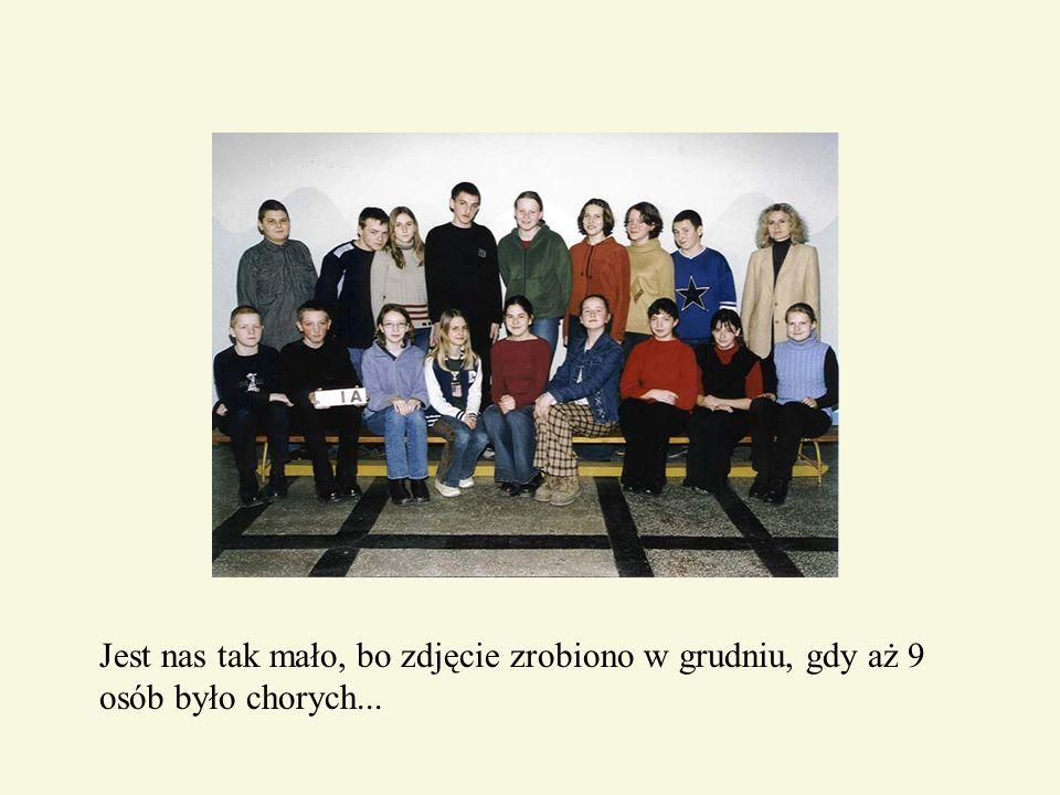 Jest nas tak mało, bo zdjęcie zrobiono w grudniu, gdy aż 9 osób było chorych...