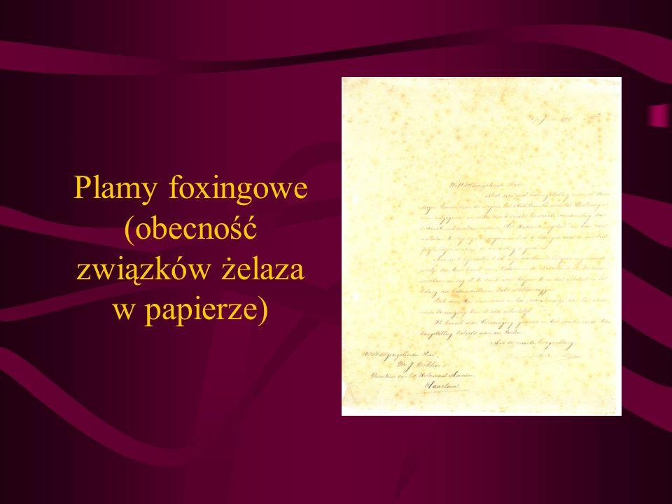 Plamy foxingowe (obecność związków żelaza w papierze)