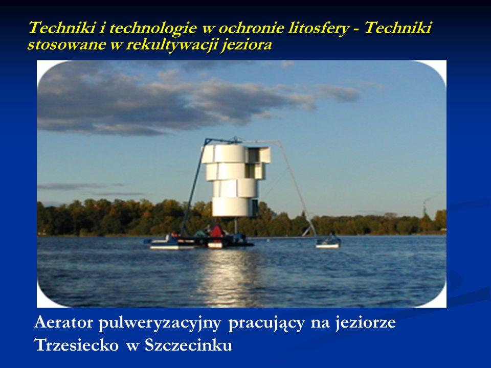 Aerator pulweryzacyjny pracujący na jeziorze Trzesiecko w Szczecinku