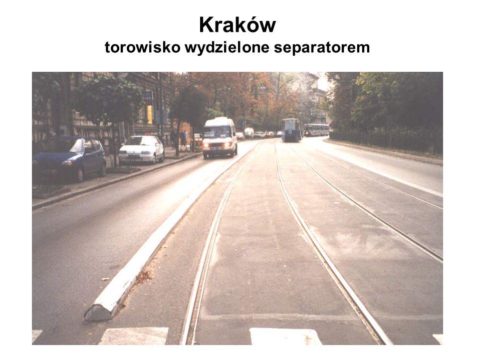 Kraków torowisko wydzielone separatorem