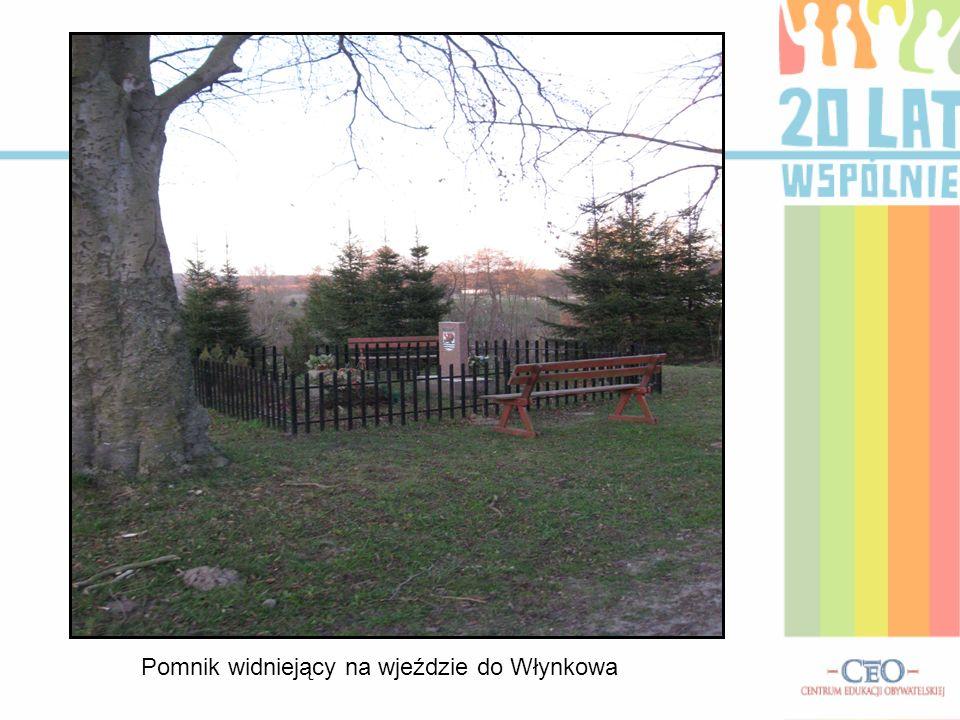 Pomnik widniejący na wjeździe do Włynkowa