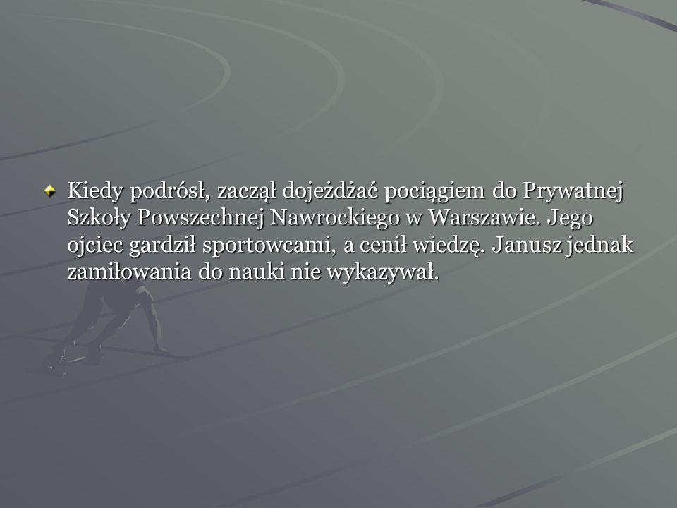 Kiedy podrósł, zaczął dojeżdżać pociągiem do Prywatnej Szkoły Powszechnej Nawrockiego w Warszawie.