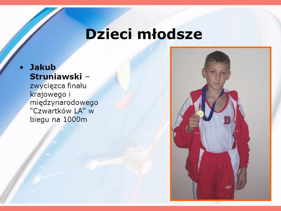 Dzieci młodsze Jakub Struniawski – zwycięzca finału krajowego i międzynarodowego Czwartków LA w biegu na 1000m.