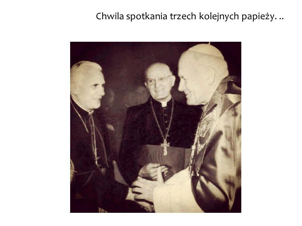 Chwila spotkania trzech kolejnych papieży. ..