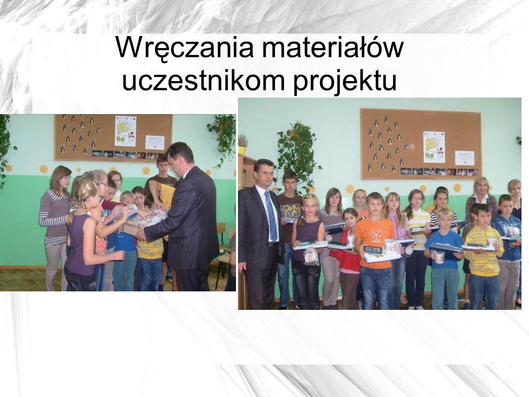 Wręczania materiałów uczestnikom projektu