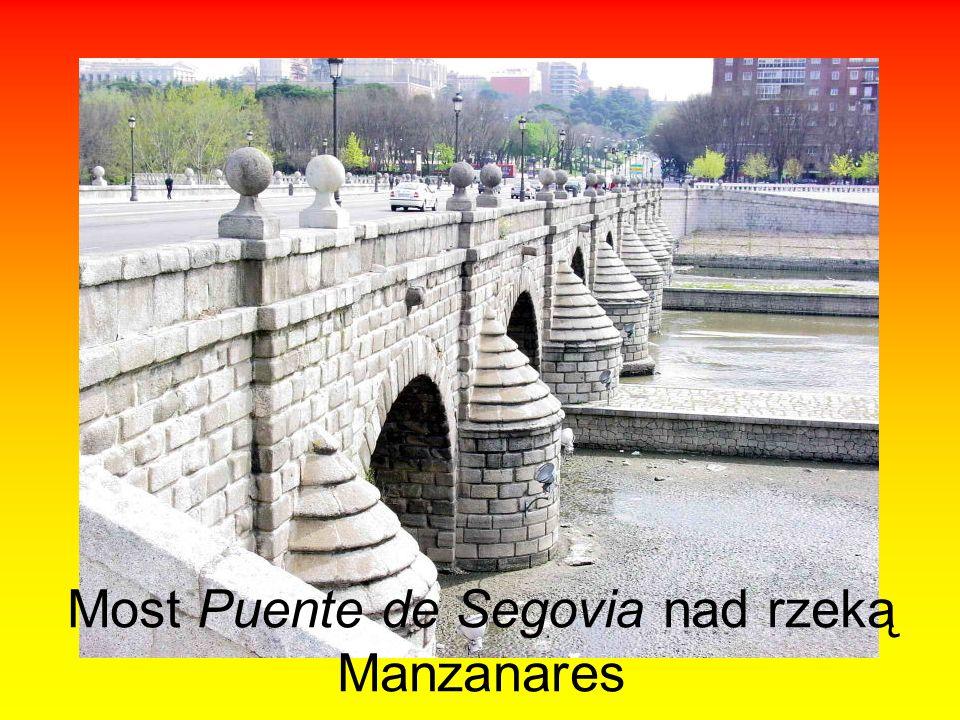 Most Puente de Segovia nad rzeką Manzanares