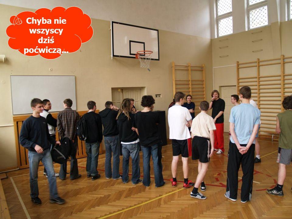 W sali gimnastycznej Chyba nie wszyscy dziś poćwiczą...