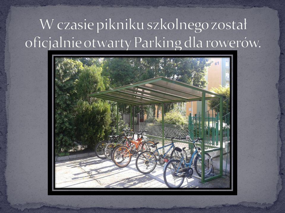W czasie pikniku szkolnego został oficjalnie otwarty Parking dla rowerów.