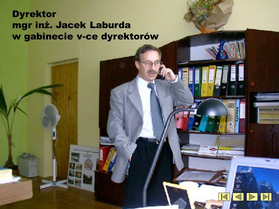 Dyrektor mgr inż. Jacek Laburda w gabinecie v-ce dyrektorów