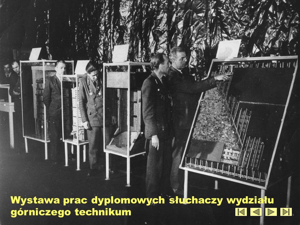 Wystawa prac dyplomowych słuchaczy wydziału górniczego technikum