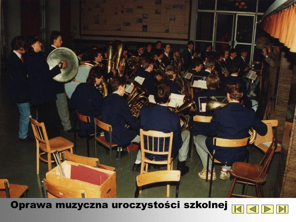 Oprawa muzyczna uroczystości szkolnej