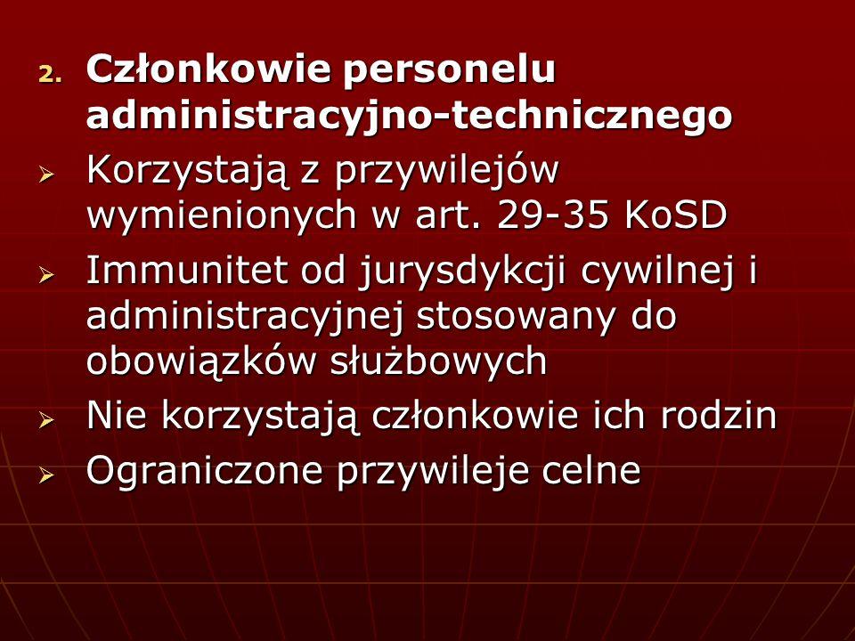 Członkowie personelu administracyjno-technicznego
