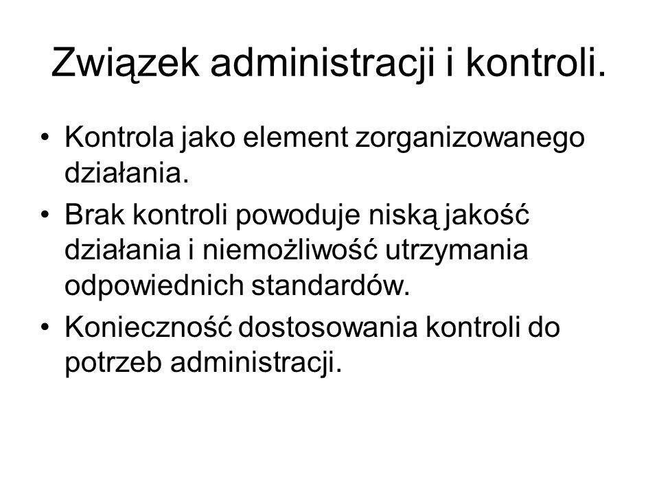 Związek administracji i kontroli.