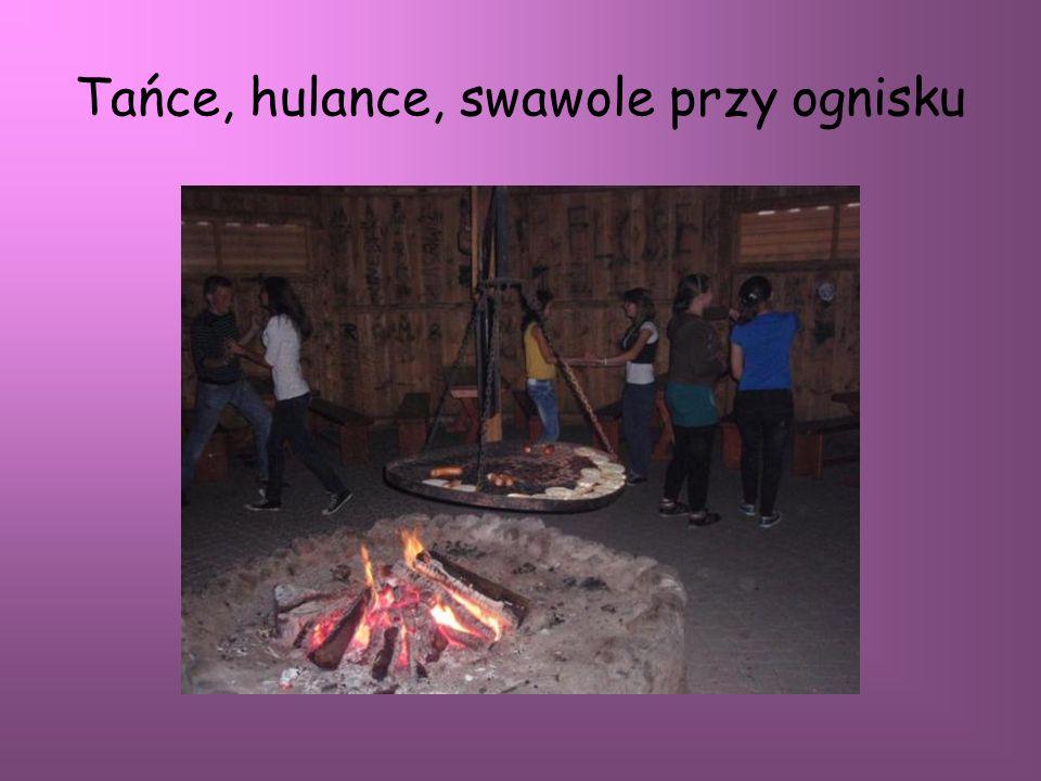 Tańce, hulance, swawole przy ognisku
