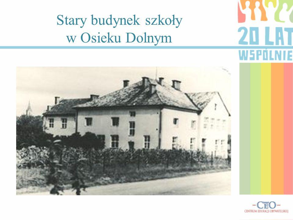 Stary budynek szkoły w Osieku Dolnym