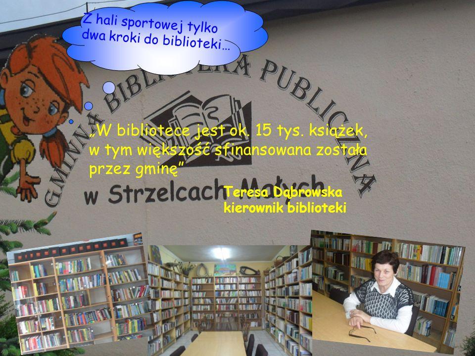 Z hali sportowej tylko dwa kroki do biblioteki…