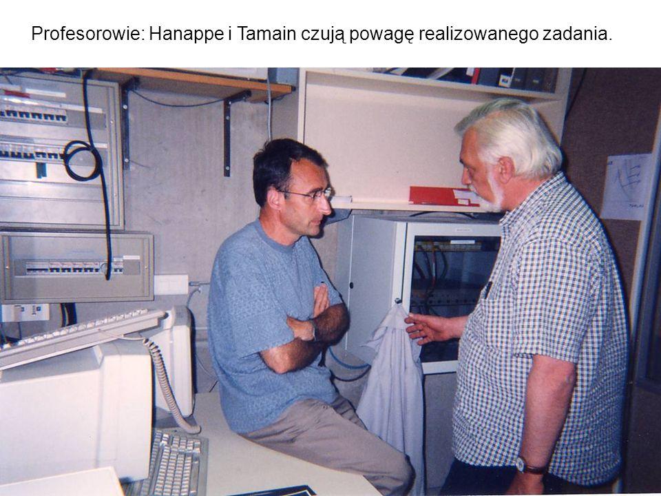 Profesorowie: Hanappe i Tamain czują powagę realizowanego zadania.