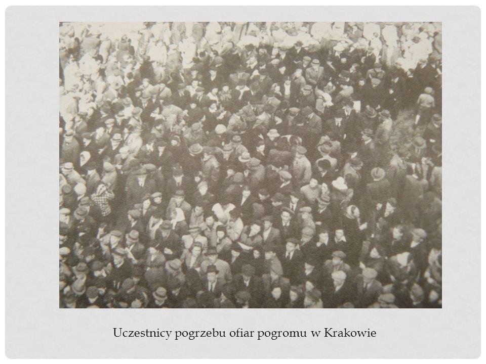 Uczestnicy pogrzebu ofiar pogromu w Krakowie