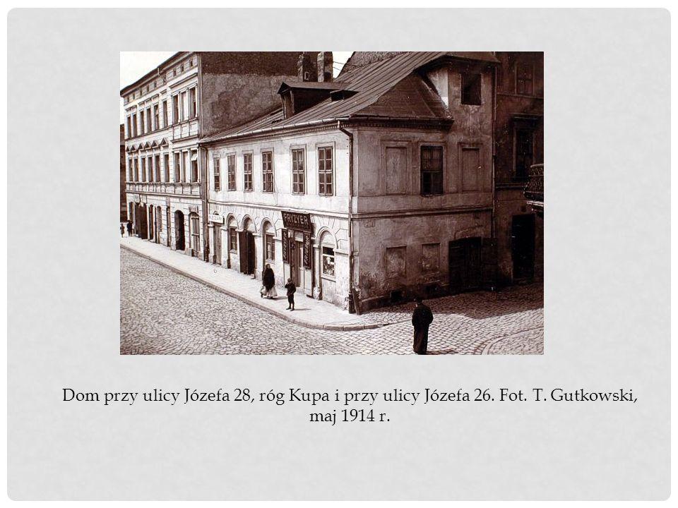 Dom przy ulicy Józefa 28, róg Kupa i przy ulicy Józefa 26. Fot. T