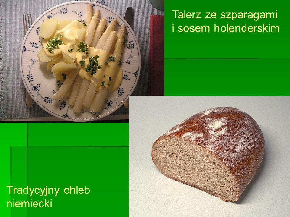 Talerz ze szparagami i sosem holenderskim Tradycyjny chleb niemiecki