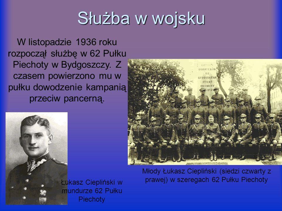 Łukasz Ciepliński w mundurze 62 Pułku Piechoty